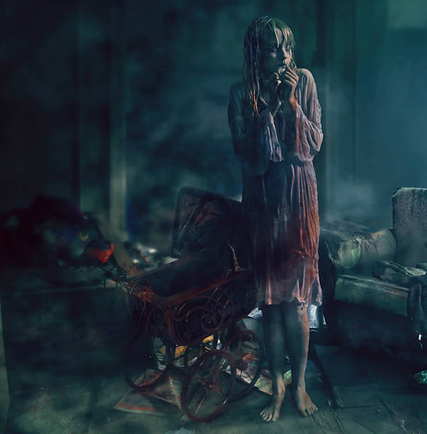 Create a Horror Movie-Themed Photo Composition