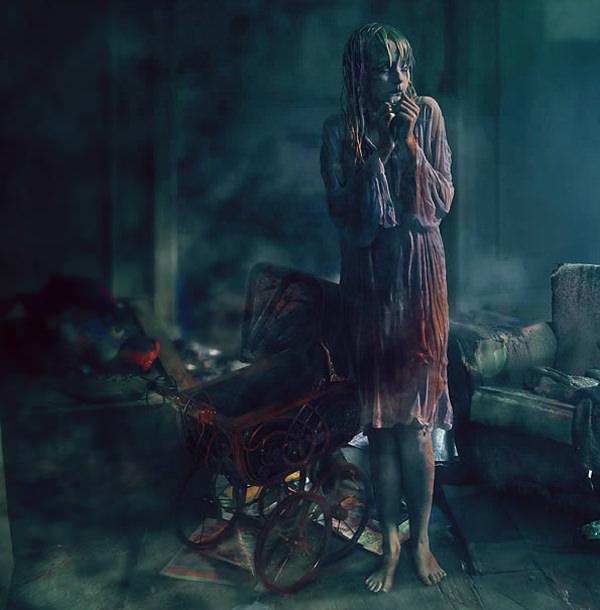 Create a Horror Movie-Themed Photo Composition