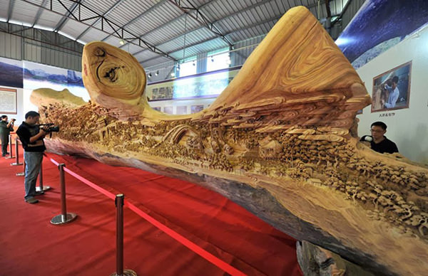 Wood Carving by Zheng Chunhui