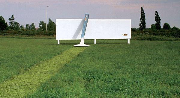 bic razor -billboard