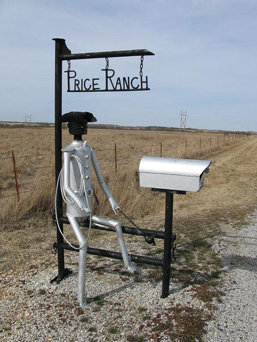 Creative Ranch mailbox